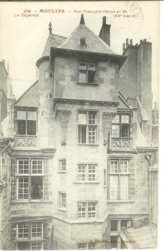 Cpa 03 Moulins - Le Doyenné rue François Péron