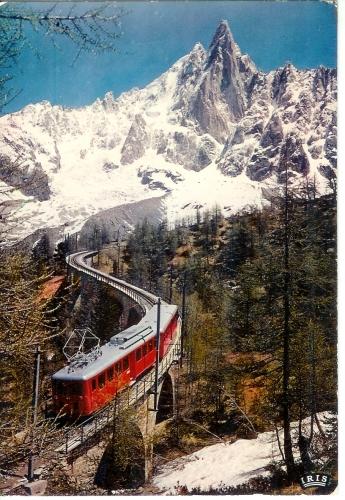 Cpm 74 Chamonix , le chemin de fer du Montenvers et l'aiguille du Dru