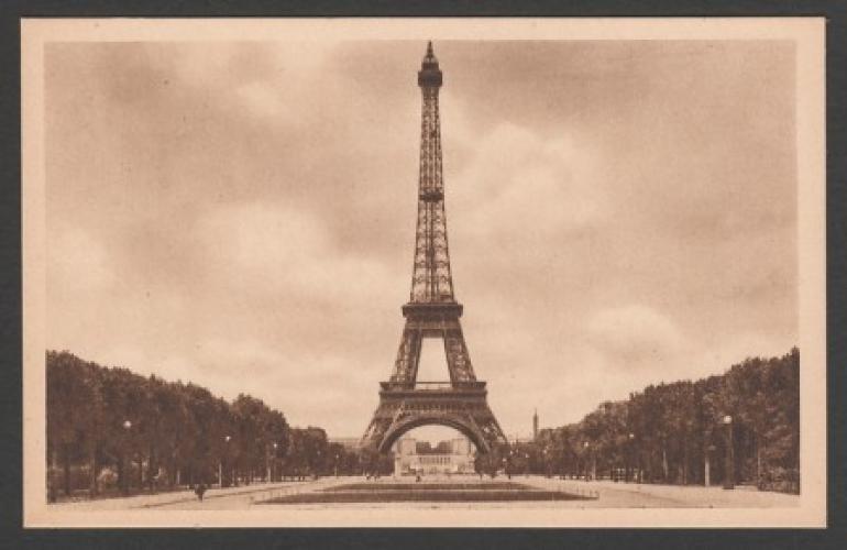 CPA PARIS - LA TOUR EIFFEL