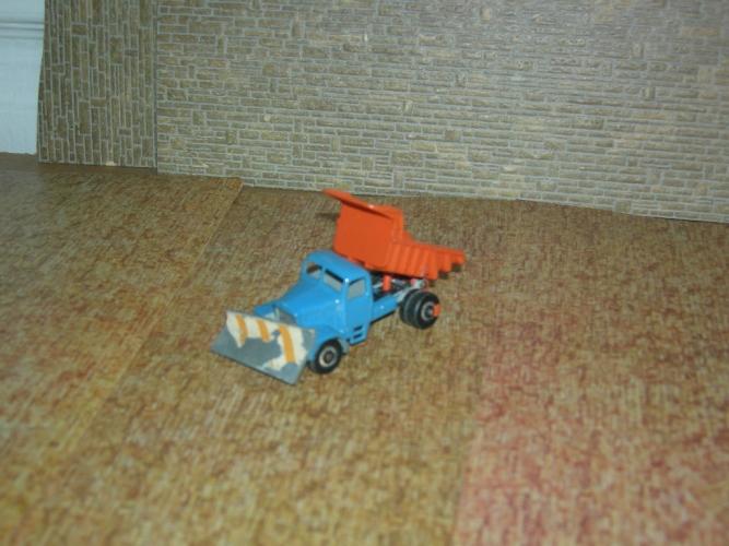 Husky Camion chasse neige et benne basculante métal (Années 60)