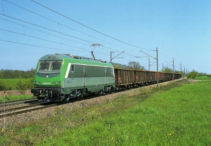 RU 0522 - Train - loco BB 36053 vers VILLEGUSIEN LE LAC - 52 - SNCF -