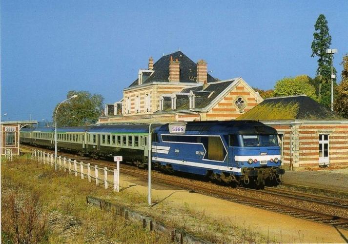 CMFM 058 - Train - loco BB 67461 en gare de SEES - 61 - SNCF