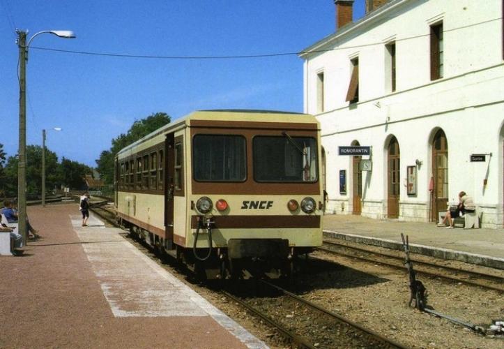 RU 0681 - Autorail CFD Socofer X 241 en gare - ROMORANTIN  - 41 - BA - SNCF -