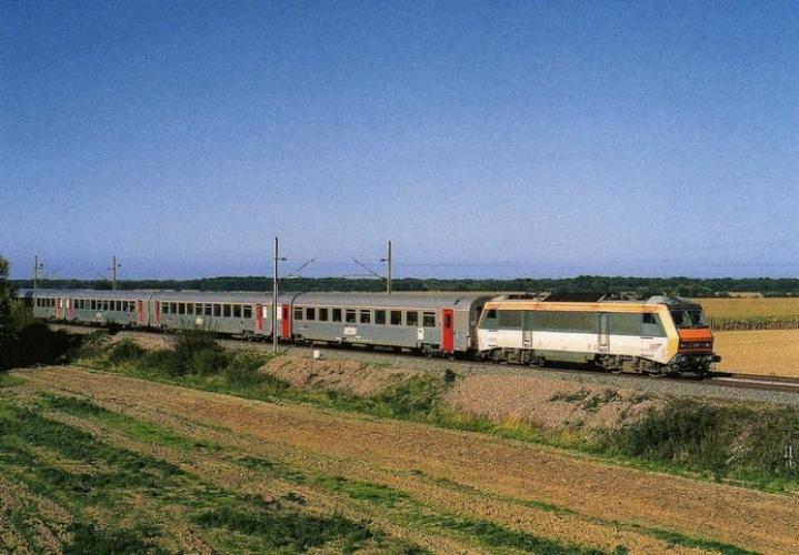 RU 0451 - Train - loco BB 26018 vers ROUFFACH - 68 - SNCF