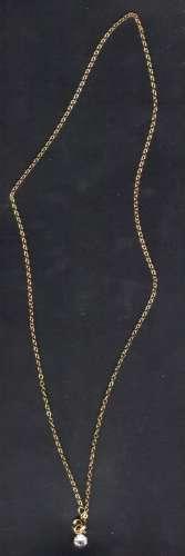 Collier plaqué or avec petite pierre en pendentif