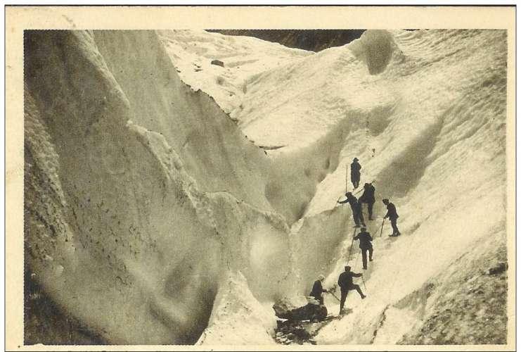 Cpa 74 Chamonix , traversée du glacier des bossons , voyagée 1934