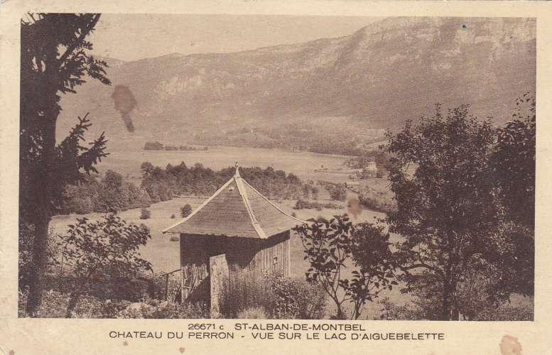 cpa:  Saint-Alban-de-Montbel - chateau du perron - vue sur le lac _éditeur:  braun rect/verso