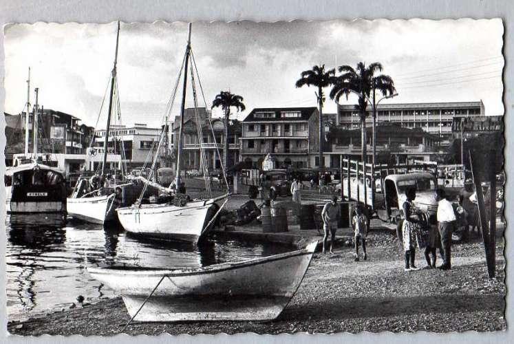 POINTE-A-PITRE (Guadeloupe) - La Darse