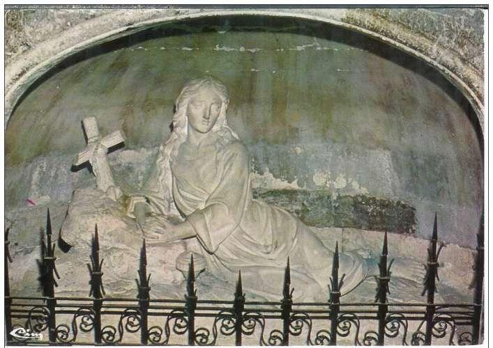 Cpsm 83 Saint Maximin la sainte baume , la crypte de ste Madeleine ,  voyagée