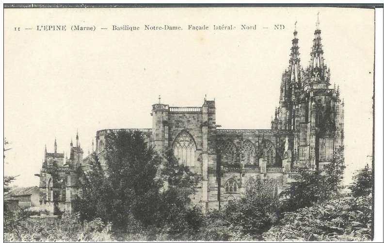Cpa 51 L'Epine - Basilique Notre Dame * façade nord  , non voyagée