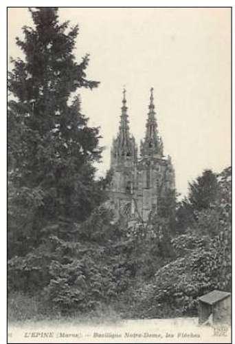 Cpa 51 L'Epine - Basilique Notre Dame * les flèches , non voyagée