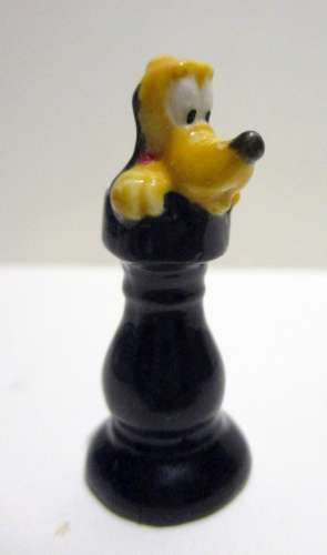 Fève brillante -  Dingo, Jeu d'échec,  la tour - de Disney