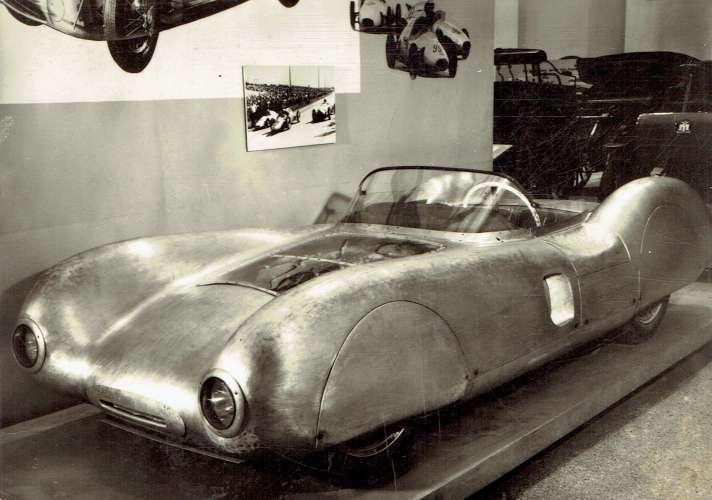 Verkehrsmuseum DRESDEN : Rennsportwagen des VEB Automobilwerk Eisenach 1954