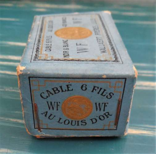 Superbe boite de Dé au Louis d'OR (avec 1 dé) - cablé 6 fils - Wallaert & Frères , LILLE (rarissime)