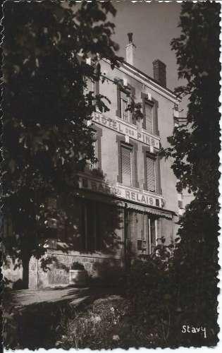 CPSM - 42 - Usson-en-Forez - Hôtel des Pins - Dos scanné