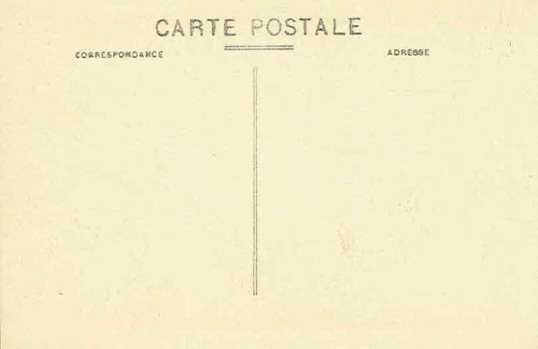 CPA  Jeune mauresque d'ALGER - La Sieste