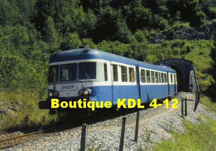 RU 1015 - Autorail X 2863 sortant du tunnel de la Gouille au Cerf vers LEZAT - Jura - SNCF