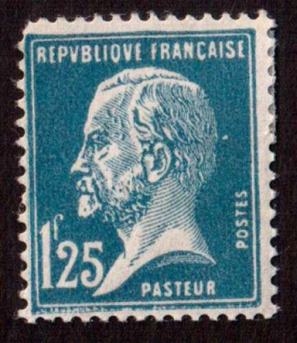 France 1923-26 Y&T 180 *  Pasteur 1,25 F bleu  cote 31€ mais angle supérieur gauche arrondi