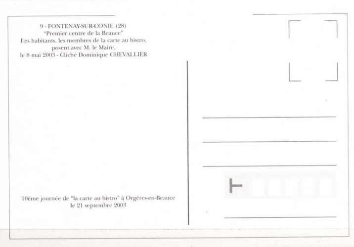CaB 2003-09 - L´équipe de la  carte au bistro  pose avec les habitants de FONTENAY SUR CONIE