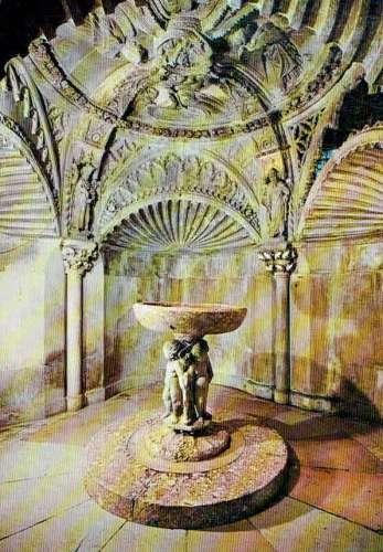 SIBENIK : Baptistère de la Cathédrale