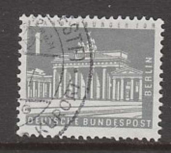 TIMBRE OBLITERE DE BERLIN - PORTE DE BRANDEBOURG (SERIE COURANTE 1956-63) N° Y&T 125