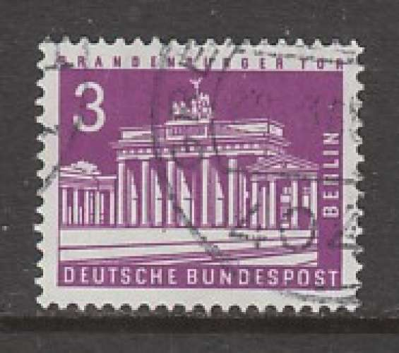 TIMBRE OBLITERE DE BERLIN - PORTE DE BRANDEBOURG (SERIE COURANTE 1956-63) N° Y&T 125A