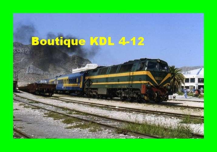 Train Bleu D 231 - Train - loco CC 333-031 3 en gare - ELDA - Alicante - Espagne - RENFE