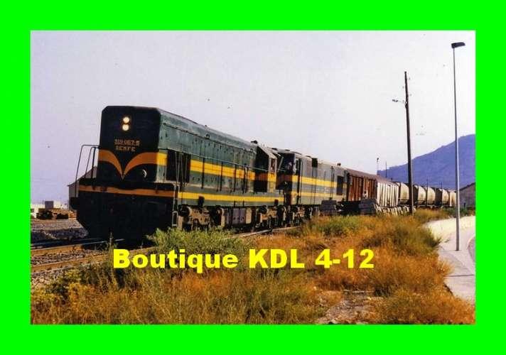 Train Bleu D 252 - Train - loco CC 319-067 5 en gare - ELDA - Alicante - Espagne - RENFE