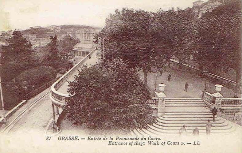 CPA  GRASSE : Entrée de la Promenade du Cours
