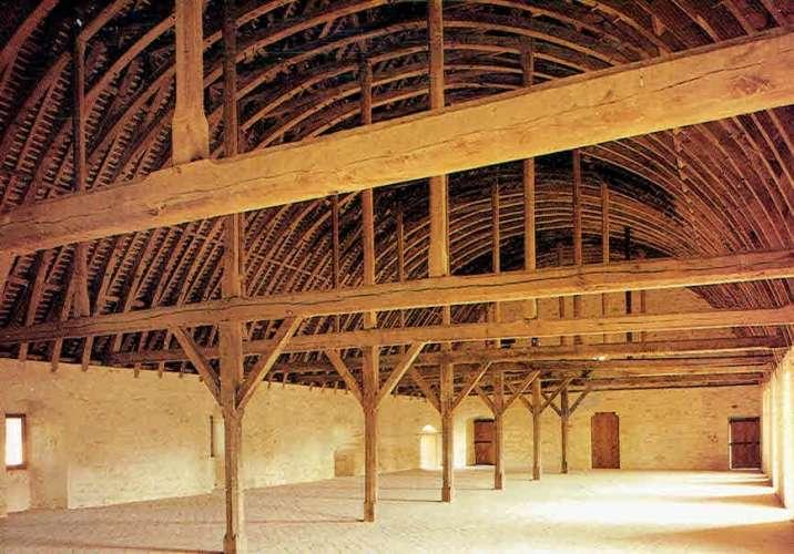 Abbaye de NOIRLAC : Le dortoir des Frères convers