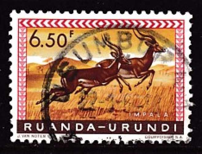 TIMBRE OBLITERE DU RUANDA-URUNDI - FLEURS : IMPALAS N° Y&T 214