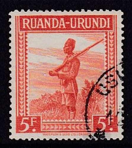 TIMBRE OBLITERE DU RUANDA-URUNDI - SOLDAT N° Y&T 141