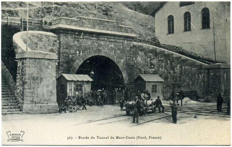 cpa  Le Mont Cenis  entrée du tunnel ,  animée