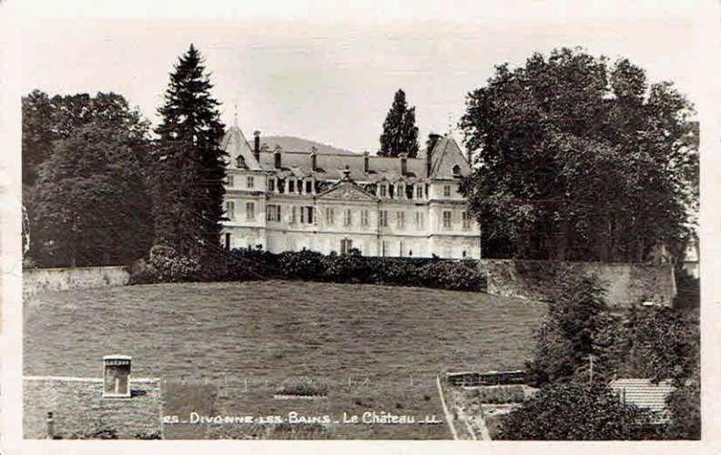 CPSM  DIVONNE-les-BAINS : Le Château - Photo véritable
