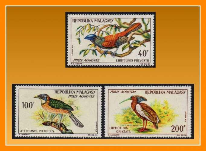 Madagascar N° PA 89 à 91 * complet (cote 15,50 €) Oiseaux