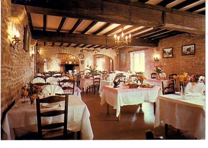 Tamière , hôtel restaurant Laborderie la salle à manger; expédiée de Les Eyzies