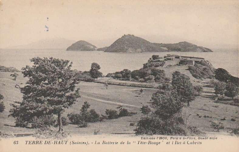 Guadeloupe - Terre de Haut (Saintes) - La Batterie de la tête rouge et l'ilet à Cabrits