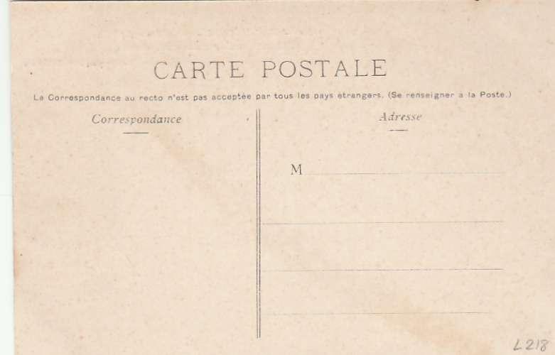 Martinique - Fort de France - Une case sur le chemin des Cabrits