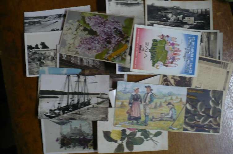 une boite de 1000 cartes postales