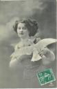 miniature  Cpa Jeune femme avec un colombe