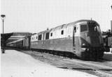 ACACF 079 - Train - loco diesel 262 BD 1 -ex PLM  en gare - PARIS LYON - 75 - SNCF