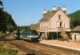 miniature RU 0526 - Train le Thermal - loco BB 67567 en gare - VIC SUR CERE - 15 - SNCF -