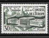 Année 1952 : Y. & T. N° 923 * avec charnière et petit point de rouille