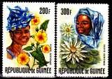 miniature Guinée Pa 67 / 68 Guinéennes et fleurs