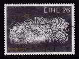 miniature TIMBRE OBLITERE D'IRLANDE - EUROPA 1983 : PIERRE GRAVEE D'UN TOMBEAU PREHISTORIQUE N° Y&T 504